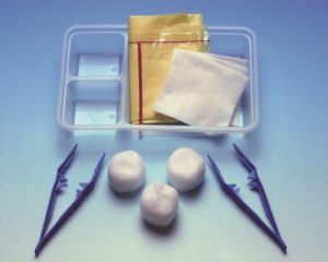 "Sterile Small Dressing Pack <br/><span class=""skuid""> SKU :  RML101-005 </span>"